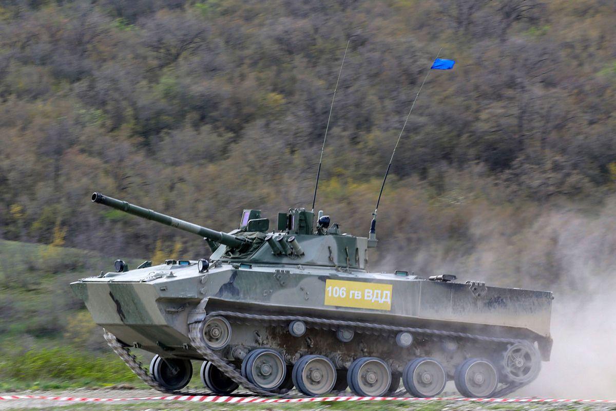 Les unités de parachutistes russes poursuivent le rajeunissement de leur parc de véhicules blindés © Russian DoD